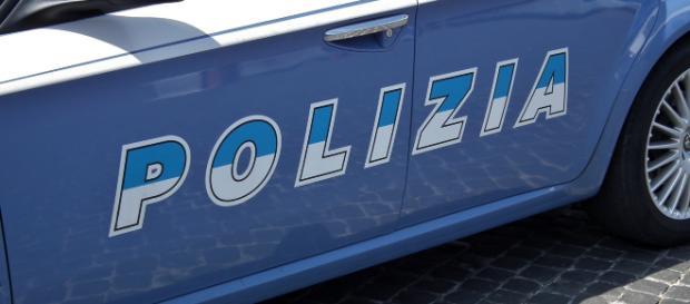 Viareggio, poliziotto 28enne colpito a bottigliate: grave ma non in pericolo di vita