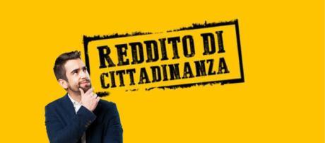 Reddito di cittadinanza, come si potranno spendere i soldi secondo i chiarimenti di Poste Italiane.