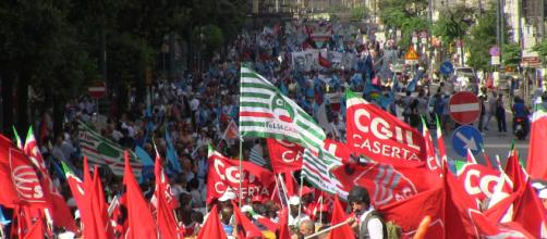 Pensioni, Cgil, Cisl e Uil in piazza: 'Quota 100 non aiuta a superare la legge Fornero'