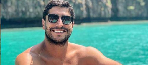 Thiago Magalhães aguça a imaginação dos fãs. (Reprodução/Instagram)