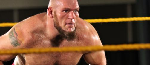 WWE: Lars Sullivan, problemi con la federazione che cancella i suoi prossimi impegni.