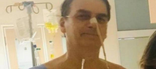 Bolsonaro internado com pneumonia bacteriana. (Foto/Reprodução)