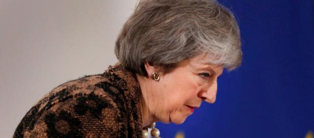 Theresa May dice no alla proposta di Corbyn