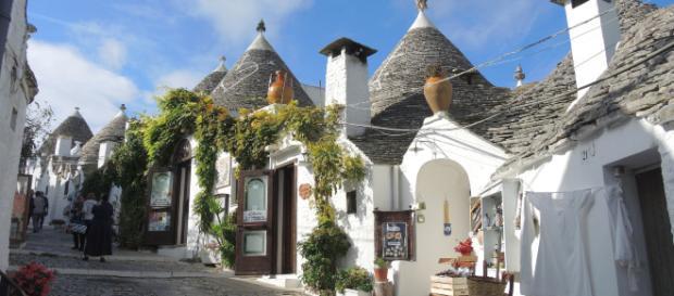 Puglia, l'odissea delle guide turistiche: concorso finito e tesserini non ancora arrivati