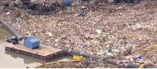 Seal Beach littered with trash after series of storms. [Image source/ABC7 YouTube video] https://www.youtube.com/watch?v=qIP6_nCTRdk
