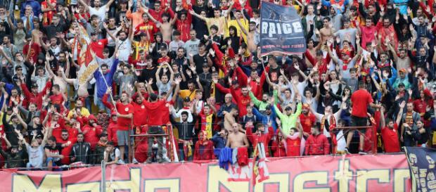 Tifosi del Benevento. Foto - mondoudinese.it
