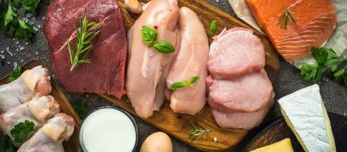 Gli errori più comuni nel seguire una dieta ricca di proteine. (Canva)