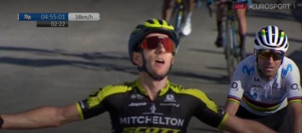 Adam Yates batte Valverde nella quarta tappa della Volta Valenciana