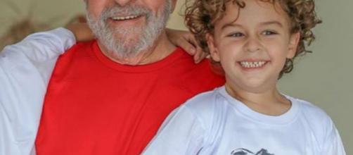 Lula foi autorizado a ir ao velório de seu neto Arthur de anos, que faleceu nesta sexta-feira (Foto: Divulgação/ Facebook)