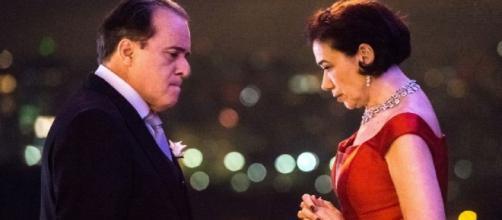 Olavo e Valentina em confronto eletrizante em 'O Sétimo Guardião' (Reprodução TV Globo)