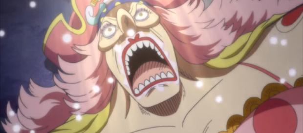 One Piece 935 rumors: Big Mom vs Queen on the horizon as reach mine prison. Image credit:MarcoThePhoenix/YouTube screenshot