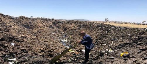 Local onde o avião caiu após a decolagem (Foto: Reprodução / Twitter)