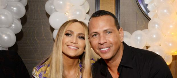 Jennifer Lopez y Alex Rodriguez se comprometen tras dos años de noviazgo