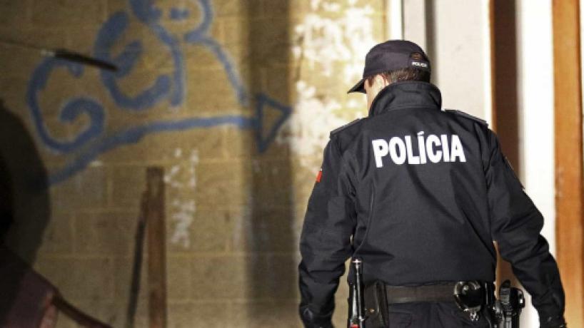 Agente da PSP agredido no Porto