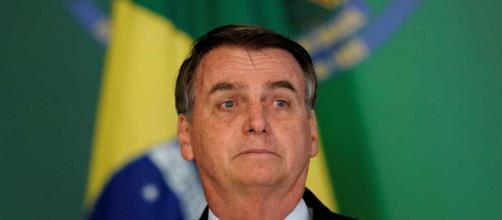 Bolsonaro compartilhou reportagem de um site de ultradireita e era Fake News (Foto: Acervo/ Blasting News)