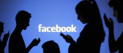 Bug no Facebook Messenger pode revelar com quem o usuário está conversando - Foto: acervo Blasting News