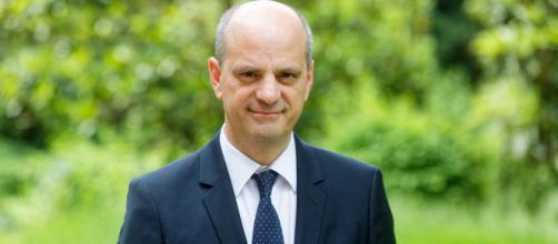 Jean-Michel Blanquer annonce la tenue d'un débat sur l'écologie dans les lycées