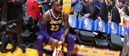 The Lakers need to consider LeBron trade offers, according to a number of NBA analysts. [Image via NBA/YouTube screenshot]