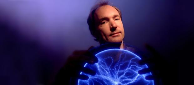 Tim Berners-Lee, criador da internet (Imagem: Reprodução/Banco de Dados BN)