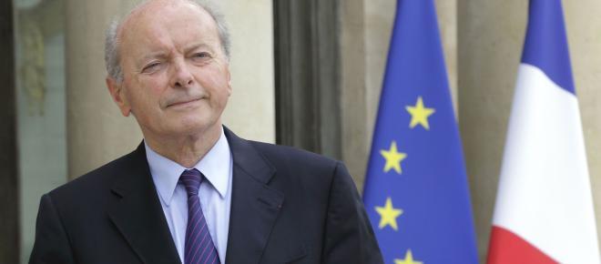 LBD, loi anticasseurs : le défenseur des droits Jacques Toubon charge l'exécutif