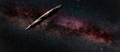 Oumuamua, l'asteroide interstellare a forma di sigaro, potrebbe essere una cometa oscillante. - everyeye.it