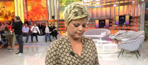 Terelu Campos abandonando 'Sálvame'. / Telecinco