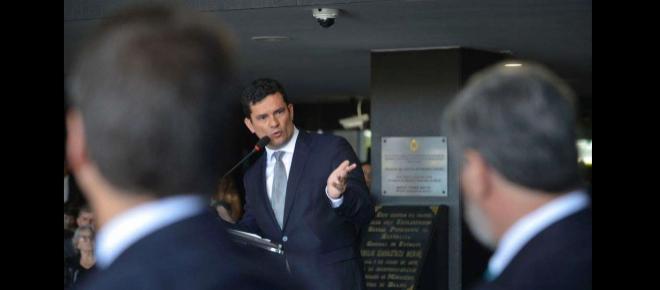 Sergio Moro classifica ataque a escola em Suzano de 'atentado' e oferece ajuda