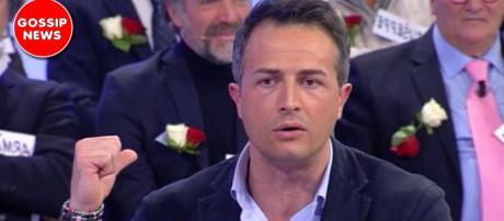 Riccardo Guarnieri riceve uno schiaffo in puntata da Roberta