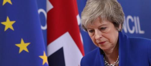 Brexit, approvata la nuova mozione della May