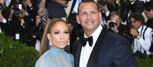 Jennifer Lopez & Alex Rodriguez Noivos stylecaster.com (Foto/Reprodução:BlastingNews).