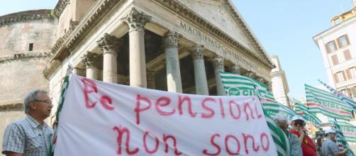 Pensioni: da aprile si applica la nuova indicizzazione, illese le pensioni fino a 1.220 euro nette.