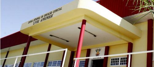 Fachada da Escola Estadual de Ensino Especial Livre Aprender, em Cuiabá (Divulgação/Marcos Bergamasco/Secom-MT)