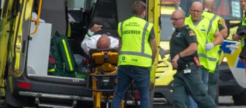 Attacco terroristico in due moschee in Nuova Zelanda. Al momento sono 49 le vittime.