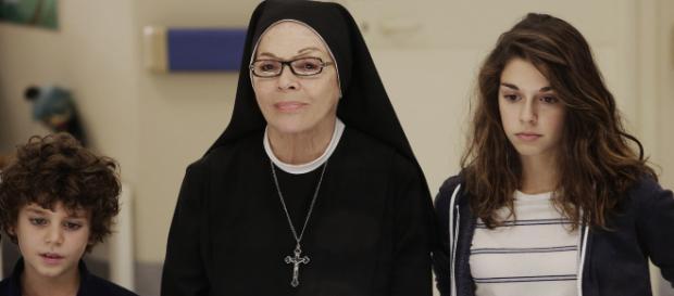 Che Dio ci aiuti: un'immagine di Valeria Fabrizi, Christian ... - movieplayer.it