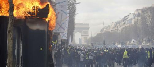 Gilets jaunes : 32.300 manifestants en France, de la casse sur les ... - lejdd.fr