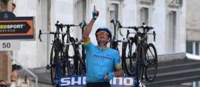 Tirreno-Adriatico: Fuglsang vince a Recanati sui muri di Scarponi