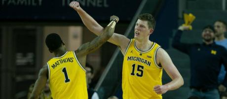 Despite losing the Big Ten title game, Michigan is still one of the top favorites to win the NCAA title. - [Click on Detroit / YouTube screencap]