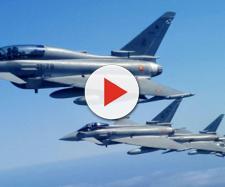 Formación de Eurofighter en vuelo durante el Ejércicio Sirio