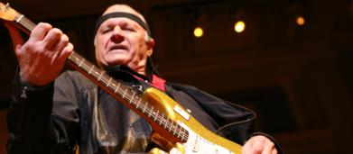È morto Dick Dale, il re della 'Surf Guitar'