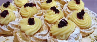 Ricetta zeppole di San Giuseppe al forno: un soffice choux con delicata crema pasticcera