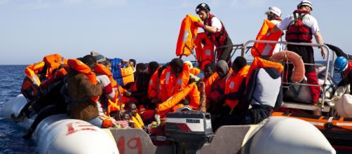 La Mare Jonio, nave di Ong italiana, ha soccorso 49 migranti nel Mediterraneo.