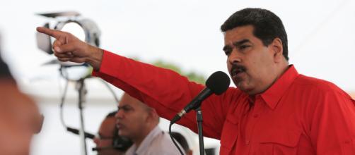 Nicolás Maduro presionó con medicamentos y comida