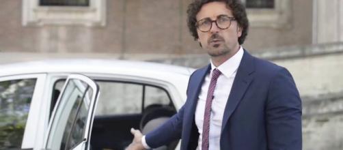Toninelli dichiara di avere comprato un Jeep Compass diesel - euroimportpneumatici.com