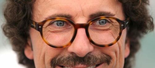 Toninelli e la gaffe sul Suv da ecotassa: il Ministro si giustifica sui social