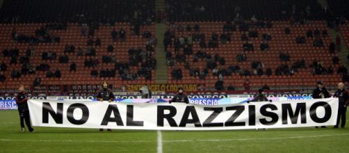 Un calcio al razzismo | Pratomagazine.it - pratomagazine.it