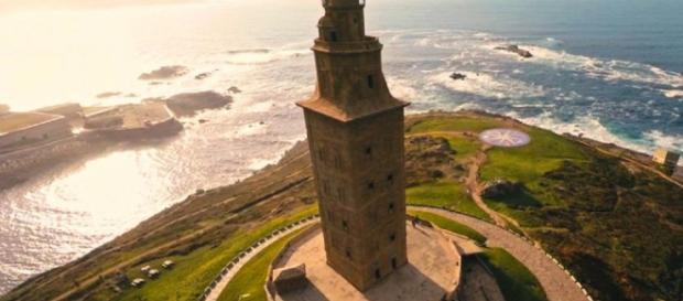 La Torre de Hércules, en lo alto de A Coruña