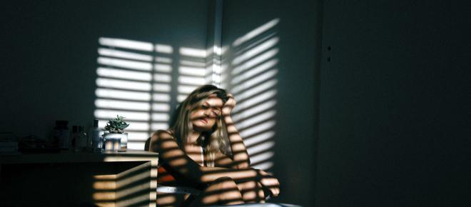 Según un informe de la UCA, las personas pobres tienen más síntomas de depresión