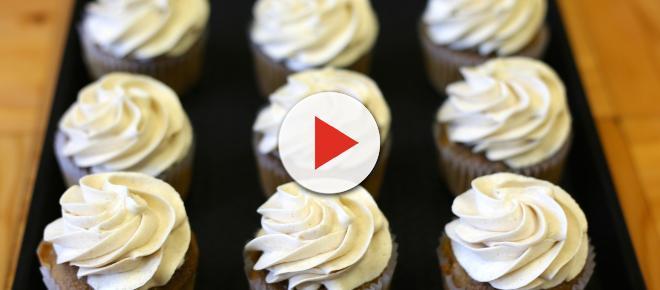 Simple whipped cream cupcakes recipe