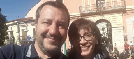"""Gerarda Russo urla dal palco a Melfi: """"Io sono fascista"""""""