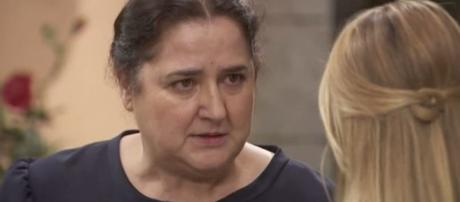 Il Segreto, spoiler: Consuelo sospetta che Antolina abbia avvelenato Elsa